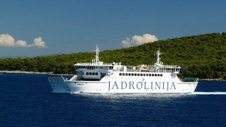 Prom linii Jadrolinija na trasie Split - Stari Grad (wyspa Hvar) w Chorwacji  #Jadrolinija #chorwacja #adriatyk http://www.chorwacja24.info/przewodnik/planowanie-podrozy
