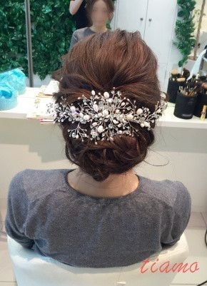 可愛い花嫁さまのルーズシニヨンから始まる3Style♡リハ編 の画像 大人可愛いブライダルヘアメイク『tiamo』の結婚カタログ