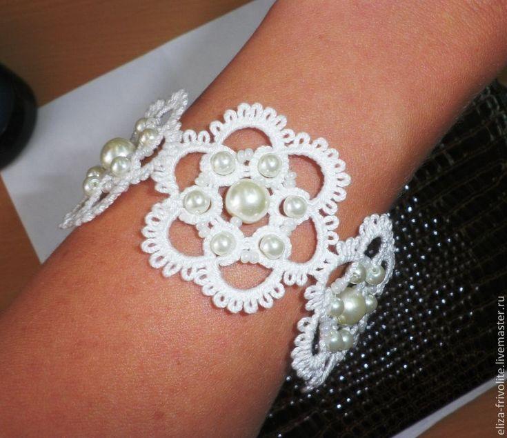Купить Серьги и браслет в технике фриволите с искусственным жемчугом - белый, свадебные украшения, изысканные серьги
