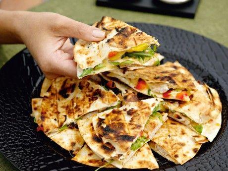 Recept på orientaliska quesadillas. Quesadillas med kyckling som kryddats med orientaliska smaker.