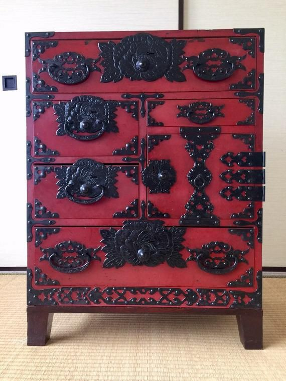 Vintage Japanese Clothes Chest Interior Cabinet 1960s Isho Tansu Red Lacquered Antique Antiquefurniture Oldfurniture Woodenfurniture Tansujapanesechest La