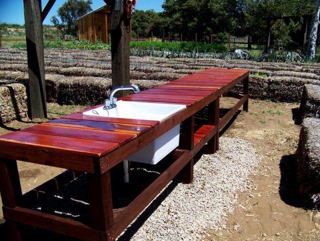outdoor garden workstation