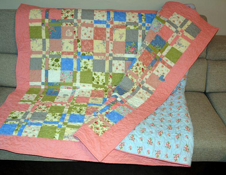Patchworková deka na jednolůžko, bohatě proquiltováno