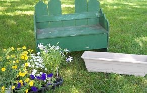 Old bench turned planter box! https://www.facebook.com/countrycrafthou… :: Hometalk
