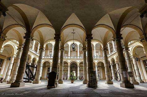 """Università degli studi: la bellezza dei """"Cortili torinesi"""" :)  ( Foto di @Recchia Leo ph da Torino da Scoprire)"""