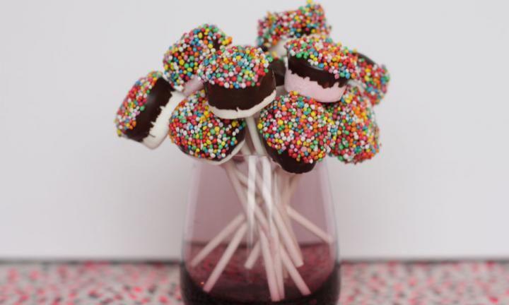 3 ingredient marshmallow pops - Kidspot
