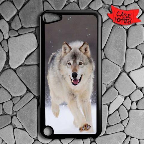 Wolf Run On White Snow iPod 5 Black Case