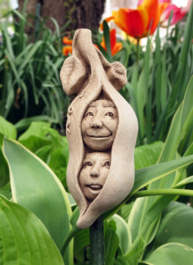 1285 Two Peas in a Pod #carruth #peas #veggies #faces #pod #twins #couple #sculpture #usa