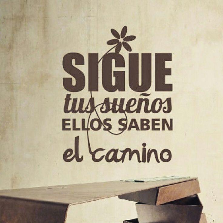 """Te invito a leer un artículo #especial… ¿Cuál es tu pasión? """"A veces los sueños parecen más  lejanos de lo que realmente son, y está en nuestras manos actuar lo antes posible para  alcanzarlos"""" #FabiolaM.#Delblogamiarmario #bloggersmexicanas http://wp.me/p6DDFq-11b"""