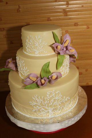 Сиреневые каллы. #торт_на_заказ_днепропетровск #ярусные #бисквитный_торт #шоколадный_торт