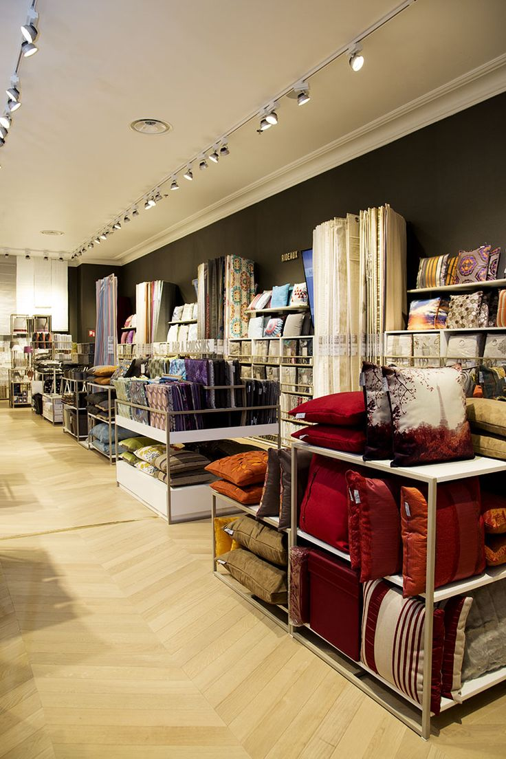 New madura store aeroville shopping center roissy charles de gaulle fran - Centre commercial roissy ...