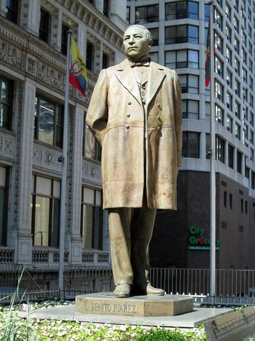 SCULPTURE OF BENITO JUAREZ  by Gardenia Hung-Wittler on Capture My Chicago // BENITO JUAREZ BENEMERITO DE LAS AMERICAS.  FATHER OF THE AMERICAS.