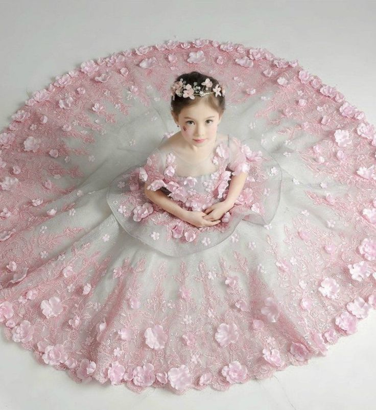 Pin By S 227 R 227 S 226 L 225 H On بنوتات Dresses Baby Girl Dresses