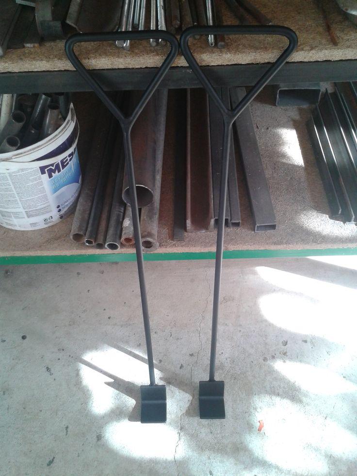 Moving hooks with L-profil / Stěhovací háky $25