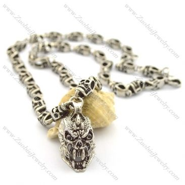 Our Biker Skull necklace is new version of the classic biker skull, it looks intimidating and totally stylish while maintaining a clean, modern aesthetic.