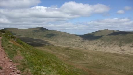 Looking north from Craig y Fan Ddu towards Corn Du, Pen y Fan and Cribyn © Nick McAllister 2010
