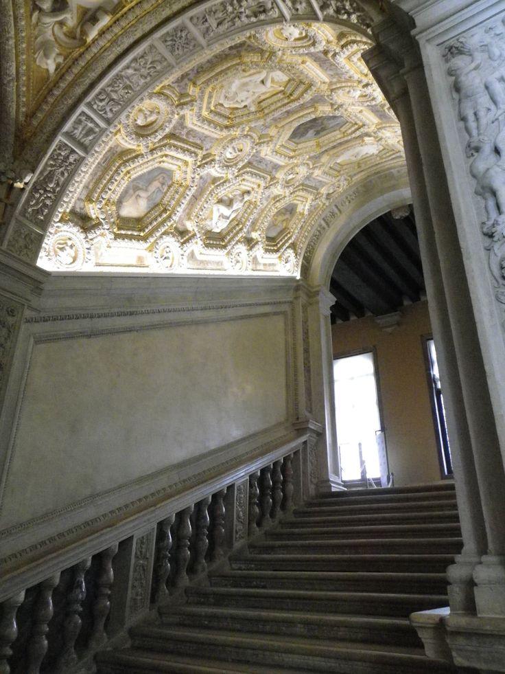 Un escalier à l'intérieur du palais des doges - Venise
