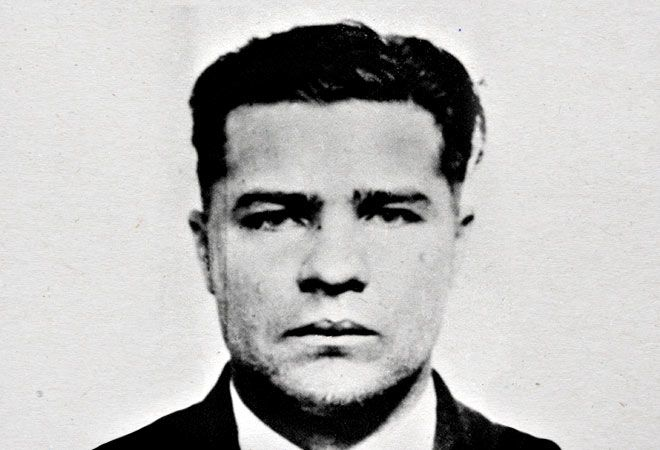America's 5 Favorite Old School Criminals