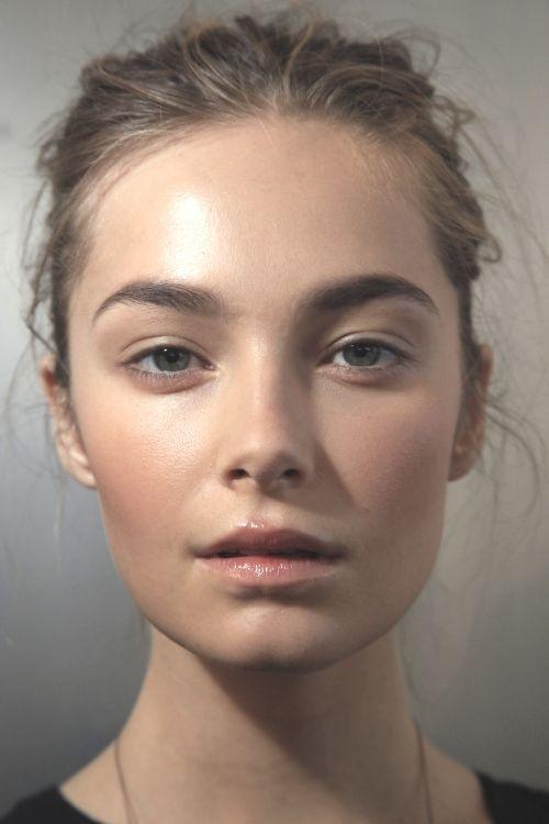 natural dewy makeup