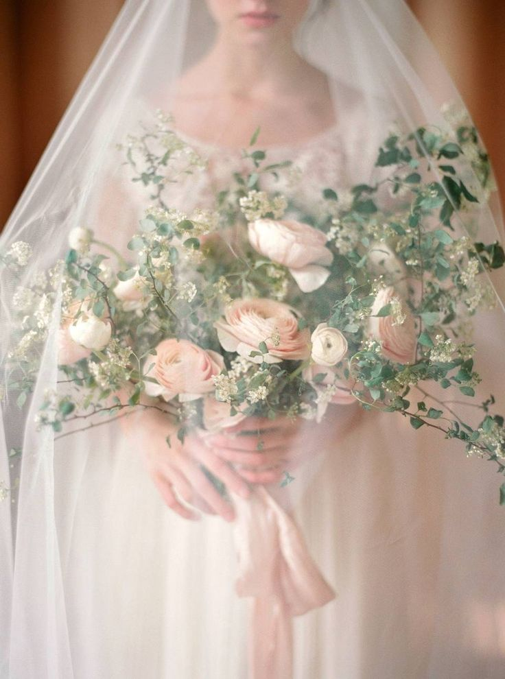 Свадебное фото букет невесты, оформление и украшение свадьбы цветам в стиле изысканный — цвет белый, персиковый, розовый, сезон: весна, фото №101529, Мечты & Мёд – декор свадьбы