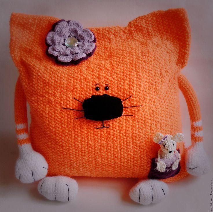 """Купить Вязаная подушка-кошка """"Матильда"""" - рыжий, котоподушка, подушка, подушка кот, подушка кошка"""