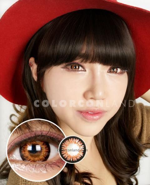 ●スイート3 ブラウン● 太めにくっきりと黒いフチ取りがあるので、効果的に瞳を大きくみせてくれます。 明るく発色の良いスリーカラーは、ナチュラルさよりもしっかりとカラコンをアピールしたい時にオススメです。くっきりした黒フチに明るいオレンジブラウンとオレンジが重なったスリーカラー。オレンジとブラウンが瞳をより目立たせます。カジュアル系ファッションにも、かわいい系ファッションにも使える、ブラウンカラーのカラコンです。☆カラコンランド☆