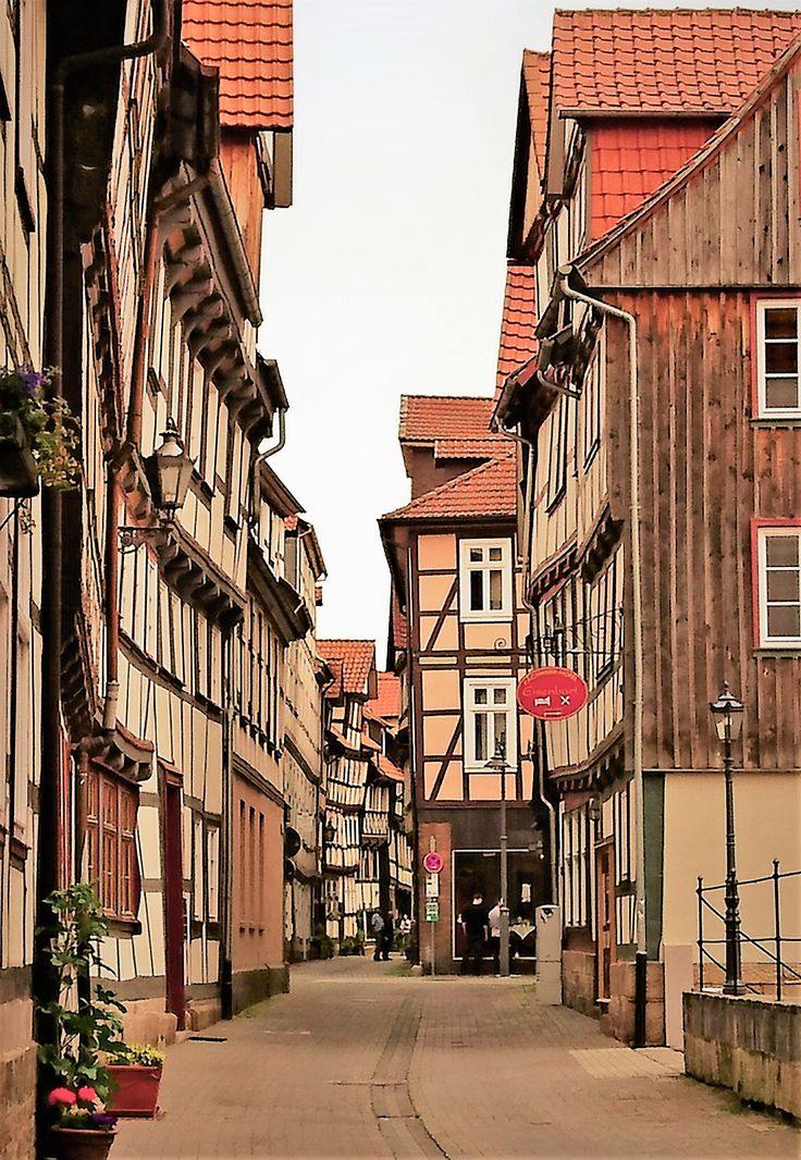 Lots of storytelling in the streets of Hannoversch-Münden, Germany.