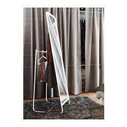 IKEA - KNAPPER, Miroir sur pied, , Difficile de vous lever le matin ? Gagnez quelques minutes en suspendant vos vêtements du lendemain derrière le miroir.Pour éviter les piles de vêtements et trop de lessive en attente, vous pouvez suspendre derrière le miroir les vêtements déjà portés.Miroir avec pellicule anti-éclats au dos.Peut être installé dans toutes les pièces de la maison, dont la salle de bain car testé et approuvé pour cet usage.