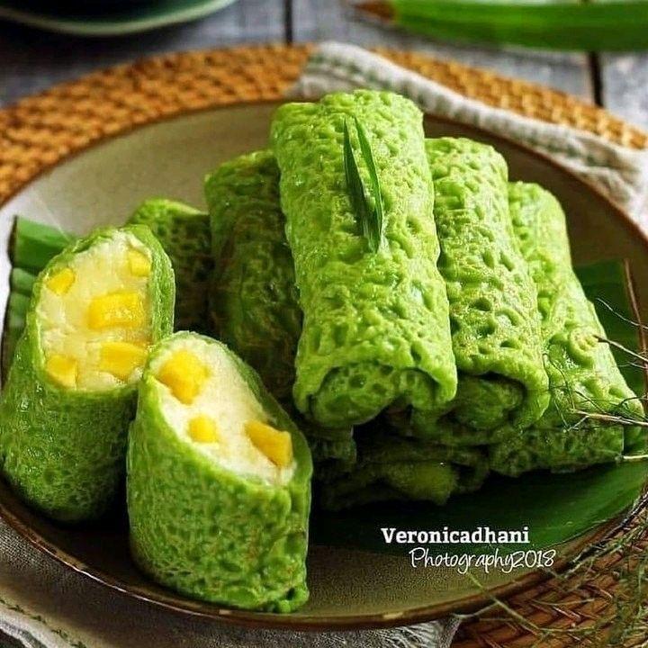 Resep Kue Indonesia Di Instagram Kasih Dulu Dong Moms Berapa Kira Kira Skor Nya Dari 1 10 Mom S Kue Dadar Gulung Di 2021 Ide Makanan Makanan Kue Dadar