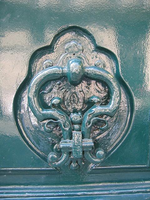 PARIS Heurtoirs et poignées de portes 14,09,09 025 by Dorenrof Claudius **PARIS**, via Flickr