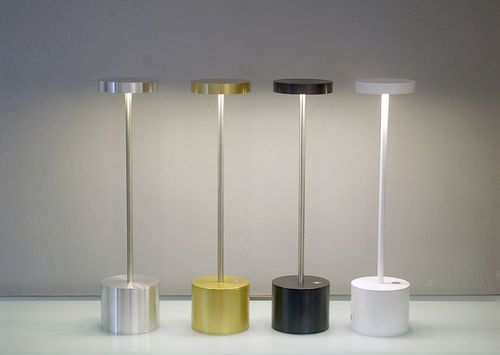 Lampada da tavolo design senza fili ricaricabile alluminio luxciole couleur by hisle hisle i - Lampada led da tavolo ricaricabile ...