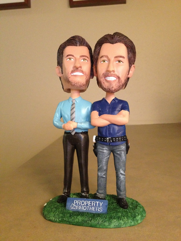 Bobbleheads of drew and jonathan scott of hgtv s property brothers