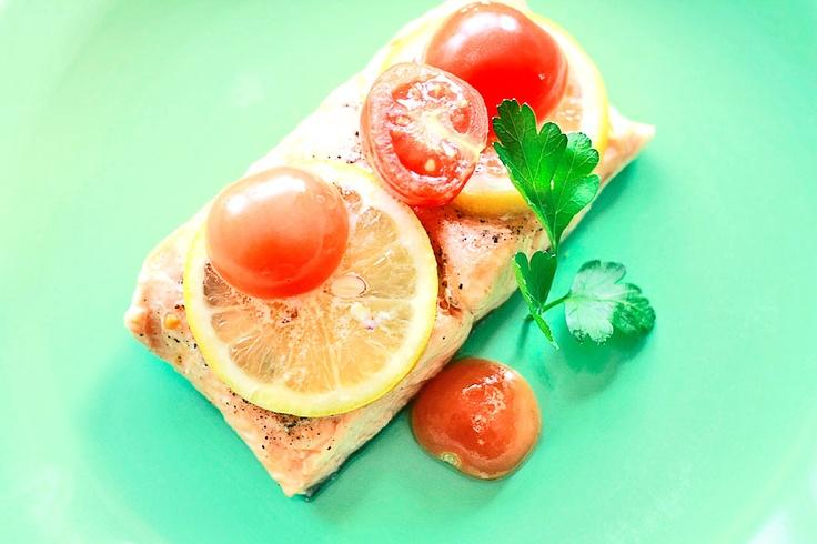 Łosoś na parze - przepis   Salmon http://www.codogara.pl/7829/losos-na-parze/