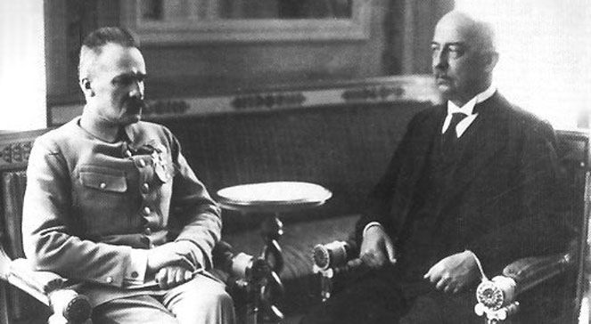 Józef Piłsudski i Gabriel Narutowicz. Fotografował legionista Adam Dulęba.