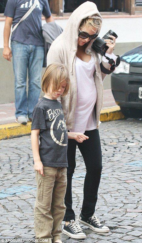 Kate Hudson. Pregnancy style