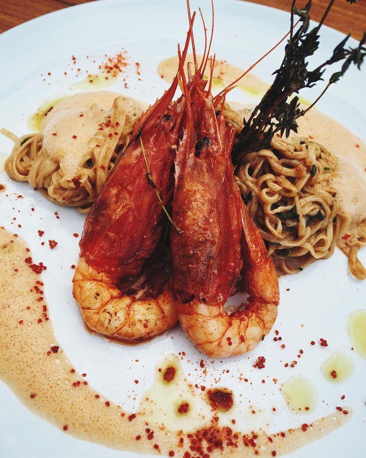 I just love dem #carbs #handmade #tagliarini #pasta w #seaurchin #carabineros #prawns #mouthfullofgold #barolio #düsseldorf #lunchdate w @laaarryyyy and @foodiebackpacker #eatdrinkmanwoman #bonappetitmag #truecooks #pommedesgarcons by tpanda888