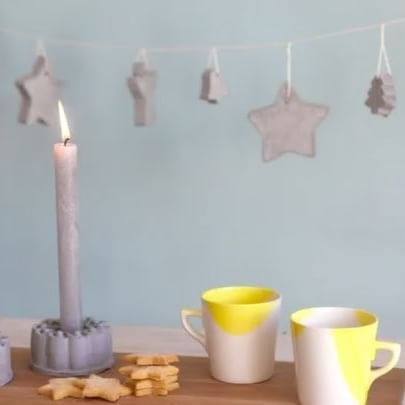Make your own Christmas decorations. With just a small amount of cement, you can make these beautiful decorations for the festive season. Step by step instructions on our website. Link in our bio.  #Christmas #HomeDecor #ChristmasDecor #decorations #decor #Christmastime #christmastree #christmasfun  https://goo.gl/4oDQO5