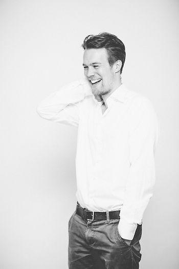 Bedste portræt- og bryllupsfotograf. HEIN Photography, Vesterbro, Copenhagen, Denmark. Headshots, portrætter, editorial & bryllupsfotografi. Facebook Linkedin Google+ profilbillede. Tinder headshots.
