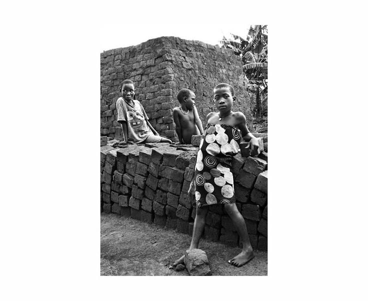 Trabajadores | South Wind Pictures The Brick Kids, Uganda 2012