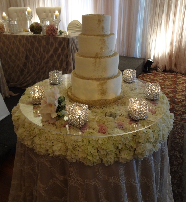 Images Of Cake Tables For A Wedding : 32 best images about Wedding Cake Tables on Pinterest ...