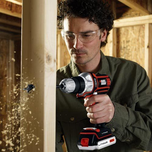 Which cordless drill is the best for the DIYer? Our experts reviewed and compared the best selling drills.   #cordless drill #woodworking #diy