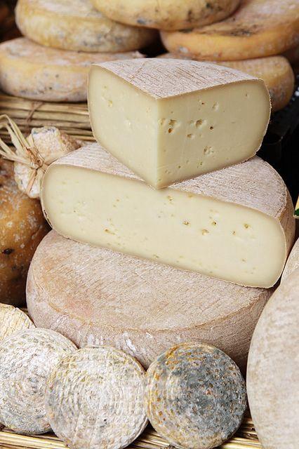 ProvenceWeekend8 |Banon festival in Luberon