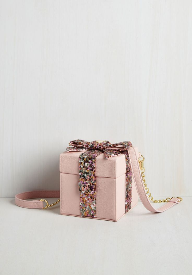 how cute is this?? love it Small Bags & Clutches - We Now Present You Bag