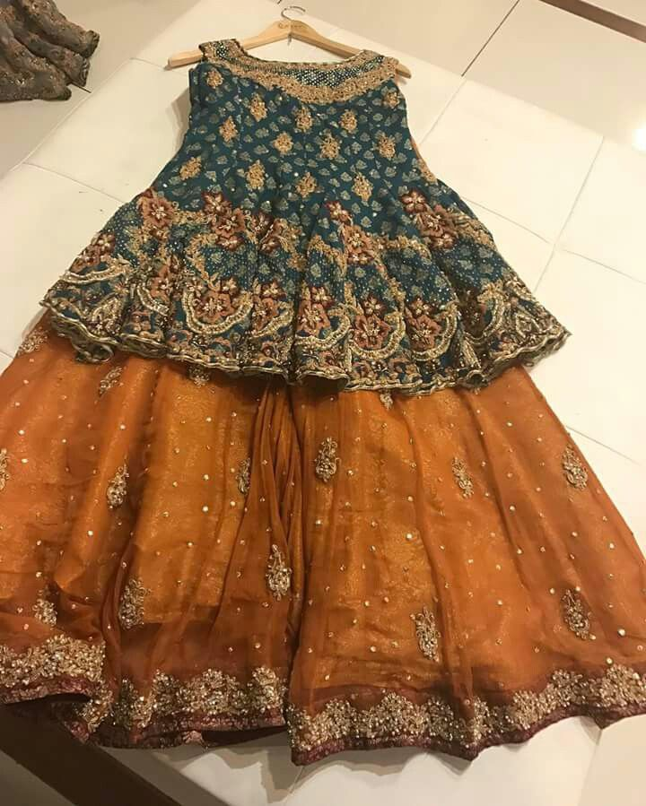 beautiful mehndi outfit