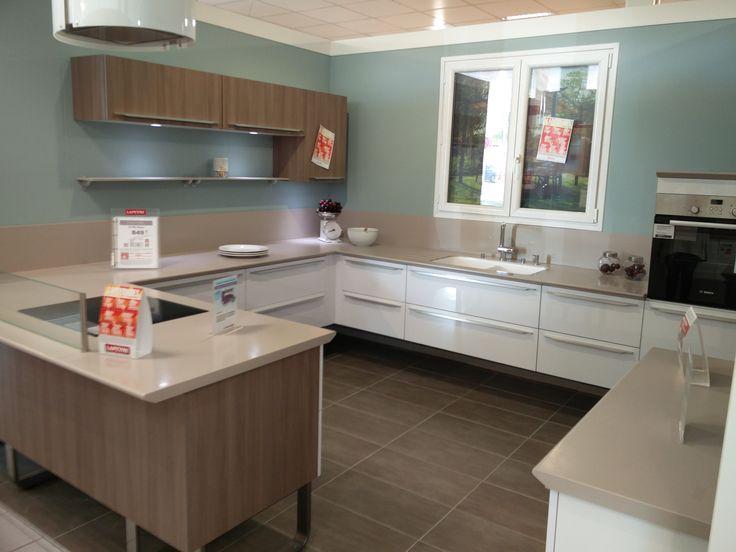gallery of cuisine vue chez lapeyre blanche sobre avec vier intgr dans le plan de travail with. Black Bedroom Furniture Sets. Home Design Ideas