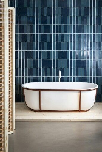 Curious? Access http://www.maisonvalentina.net/ to find the best luxurious bathtub inspirarions for your new project! Luxury and still modern furniture