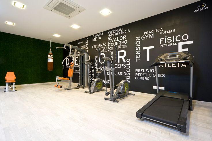 Las 25 mejores ideas sobre sala de gimnasio en pinterest y - Decoracion de gimnasios ...