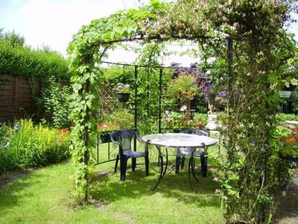 1000 id es sur le th me gloriette sur pinterest plante et jardin saule et potager. Black Bedroom Furniture Sets. Home Design Ideas