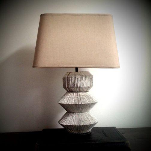 Initiales GG ... : DIY : une lampe customisée avec des livres!
