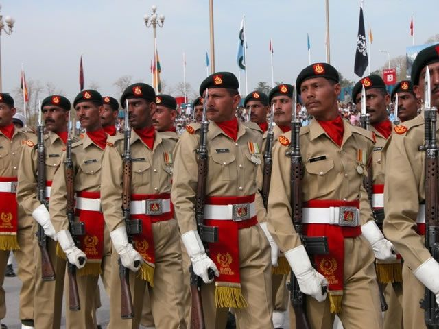 Pakistan Independence Day Parade | ... pakistan-army-during-march-past-on-23rd-march-pakistan-day-parade.jpg